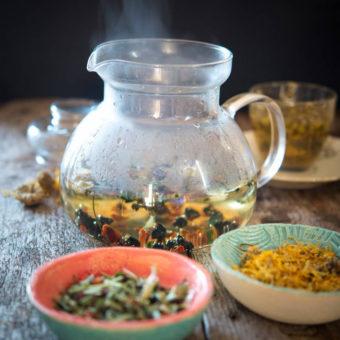 Herbata ziołowa na ostry ból gardła